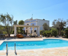 Certosa Villa Sleeps 12 with Pool and Air Con