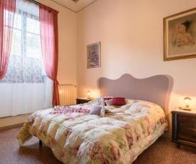 Camelia frescoed apartment