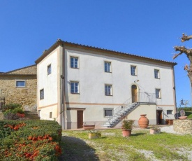 Nice home in Capolona with Outdoor swimming pool, WiFi and 8 Bedrooms