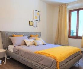 Elegant Yellow Apartment In San Gallo Firenze