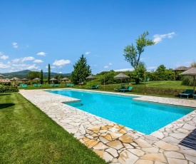 Serene Farmhouse in Montescudaio with Skiing Nearby