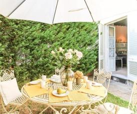 Apartment Guinigi with Private Courtyard
