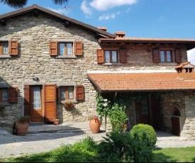 La Sala Vecchia - Lovely Tuscan Holiday house Badia Prataglia, Casentino Valley
