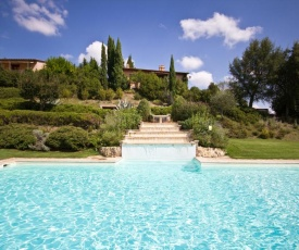 Chiusi Scalo Villa Sleeps 18 Pool WiFi