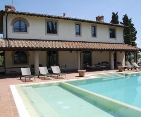 Coiano Villa Sleeps 12 Pool WiFi