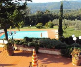 Cozy Apartment in Coiano - Castelfiorentino with Swimming Pool