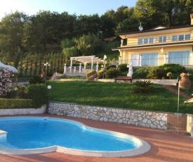 Corsanico-Bargecchia Villa Sleeps 8 Pool Air Con