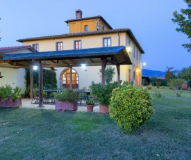 Beautiful old villa with a garden and private swimming pool in the Etruscan countryside