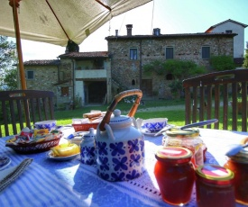 Luxurious Holiday Home in Anghiari Tuscany near Town Center