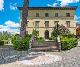 Valley-view Apartment in San Miniato with Swimming Pool