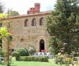 Bucine Villa Sleeps 12 Pool WiFi