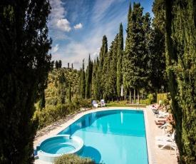 Rustic Apartment in San Miniato with Swimming Pool