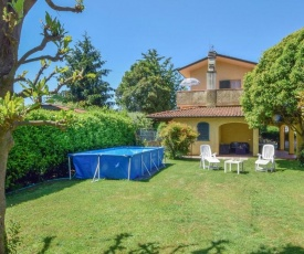 Beautiful home in Camaiore with Outdoor swimming pool, WiFi and 4 Bedrooms