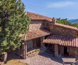 Marvelous Holiday Home in Arcidosso near Castel del Piano