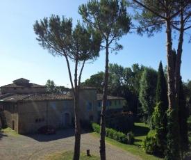 Charming 1-Bed Apartment in Certaldo