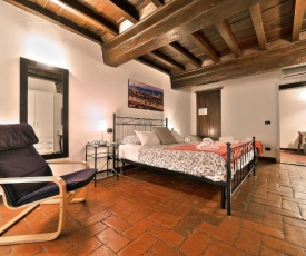 Wine Apartments Florence Ciliegiolo