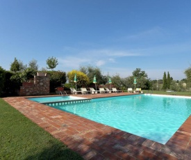 Modern Holiday Home in Foiano della Chiana with Pool