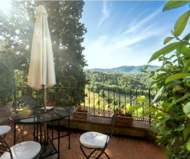 Vintage Holiday Home in Figline Valdarno with Swimming Pool