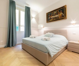 Altafronte Enchanted Suite close to Uffizi Gallery