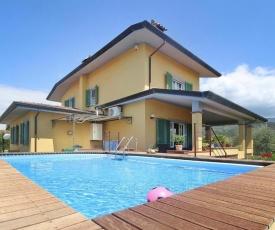 Villa Azzurra Capezzano Pianore - ITO01100d-O
