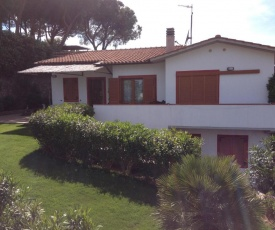 Apartment in villa 24 persons with large garden stella